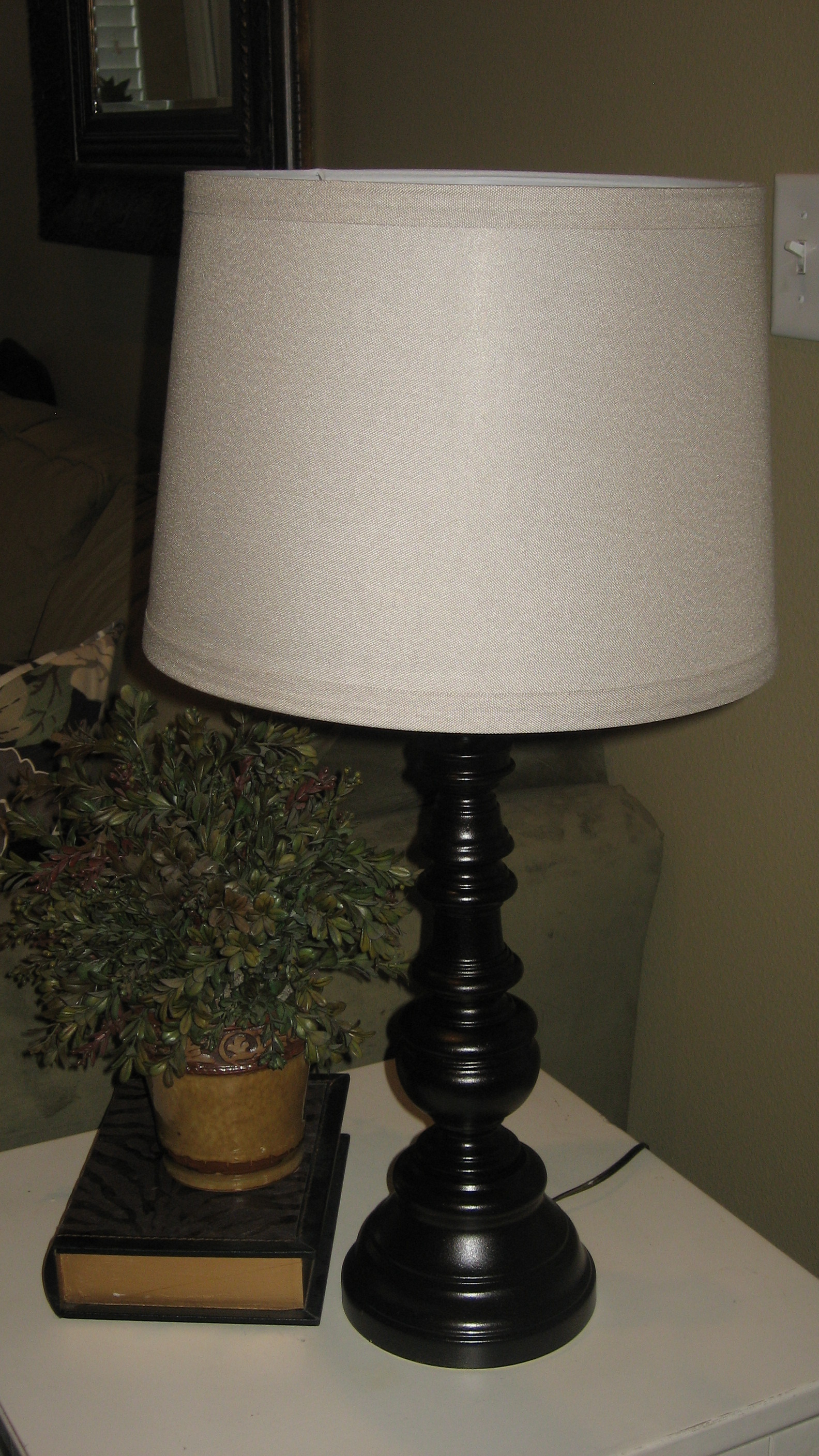 Friday's Frivolty: Fixed Up Thrift Store Lamps