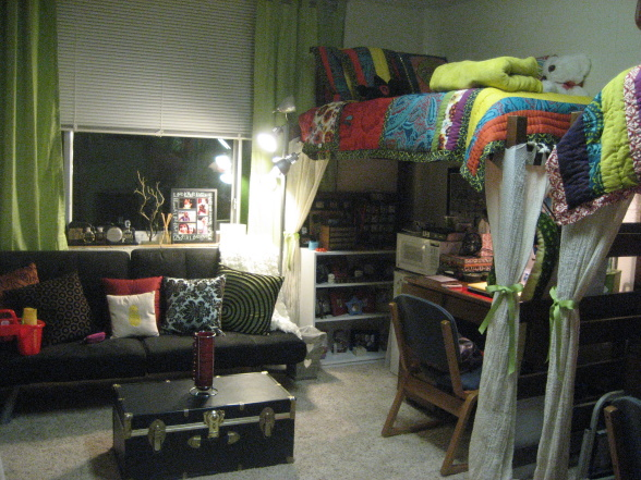 Designed To The Nines  Dorm Room Decorating ~ 221959_Dorm Room Ideas Boy