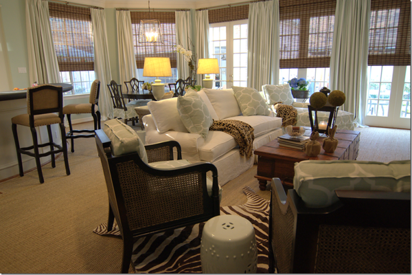 Love It or Leave It? White Sofas.
