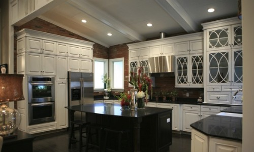 Extreme Makeover Home Edition: Kitchen and Dining